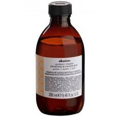 Davines ALCHEMIC SHAMPOO (golden) - Шампунь «АЛХИМИК» для Натуральных и Окрашенных Волос (ЗОЛОТОЙ) 280мл